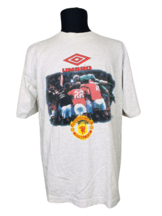 MANCHESTER UNITED 1996 GRAPHIC TEE